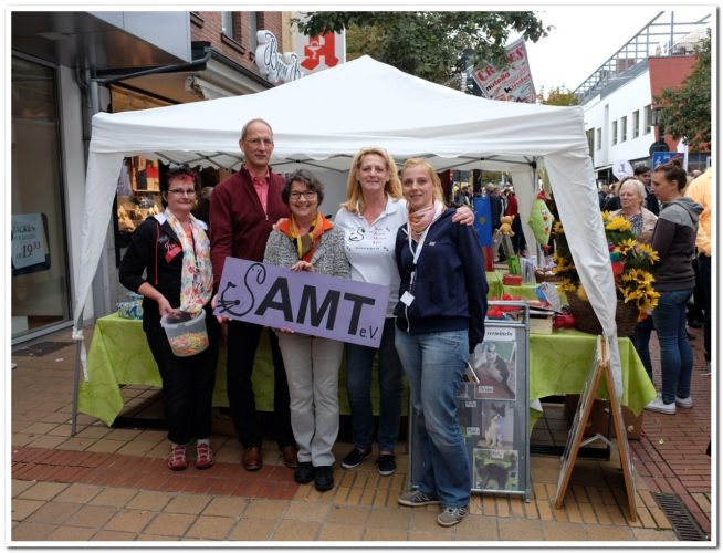 SAMT-Team am Infostand (Archivbild)